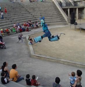 Robots saltimbanquis en el anfiteatro