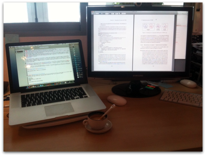 Tesis, Macs y café