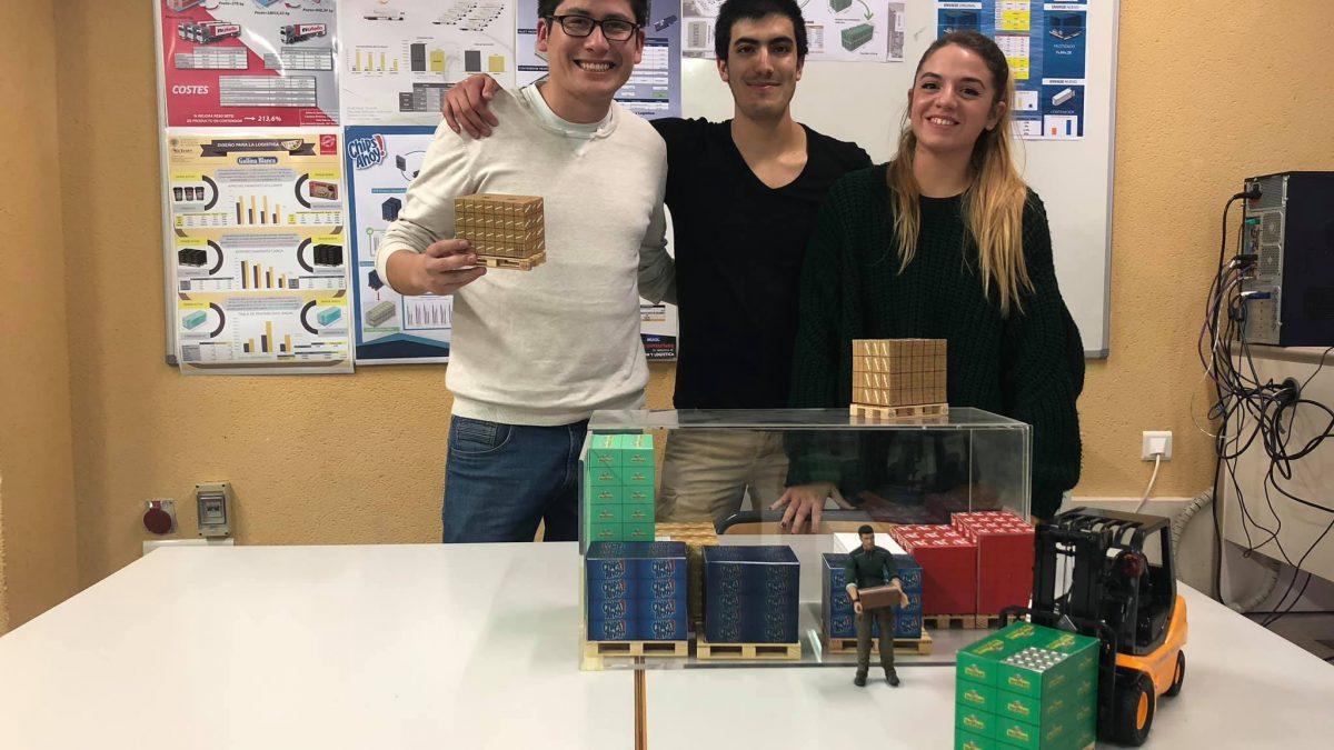 mis alumnos aprenden DFL para optimizar el paletizado y la carga del contenedor