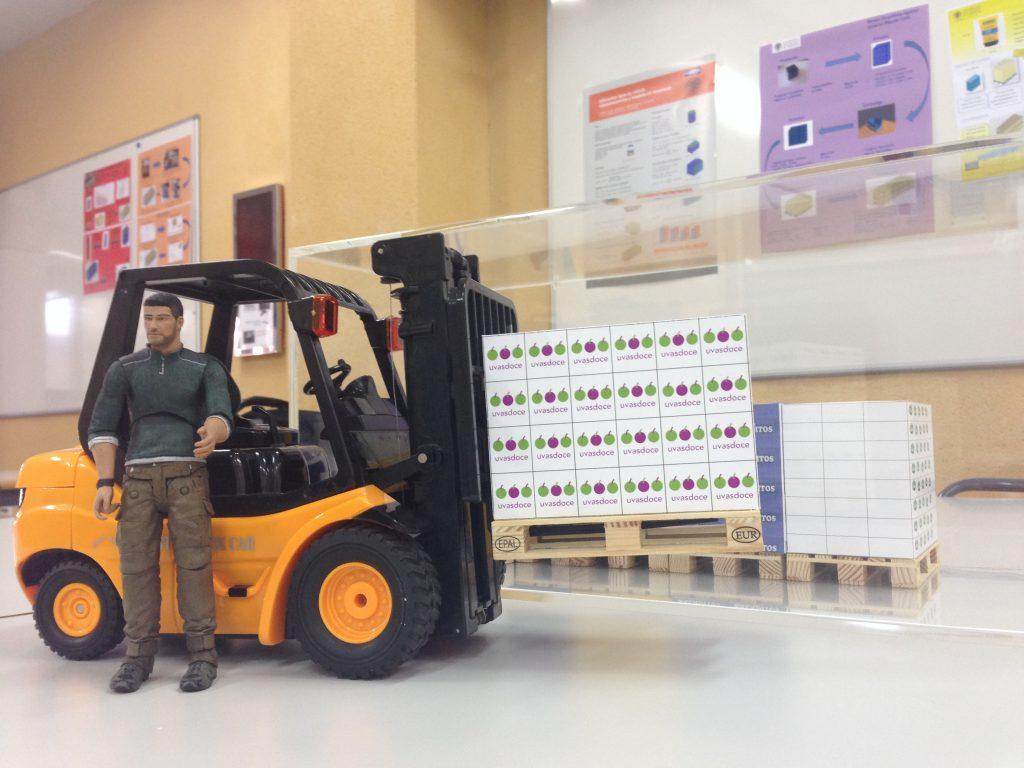 maquetas de unidades de carga y contenedor a escala 1/10