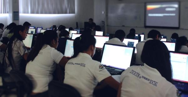 los alumnos de Comercio Exterior la Universidad de Colima (México)
